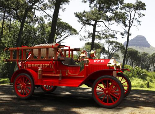 Модель пожарного автомобиля на шасси Ford Model T, 1913 год
