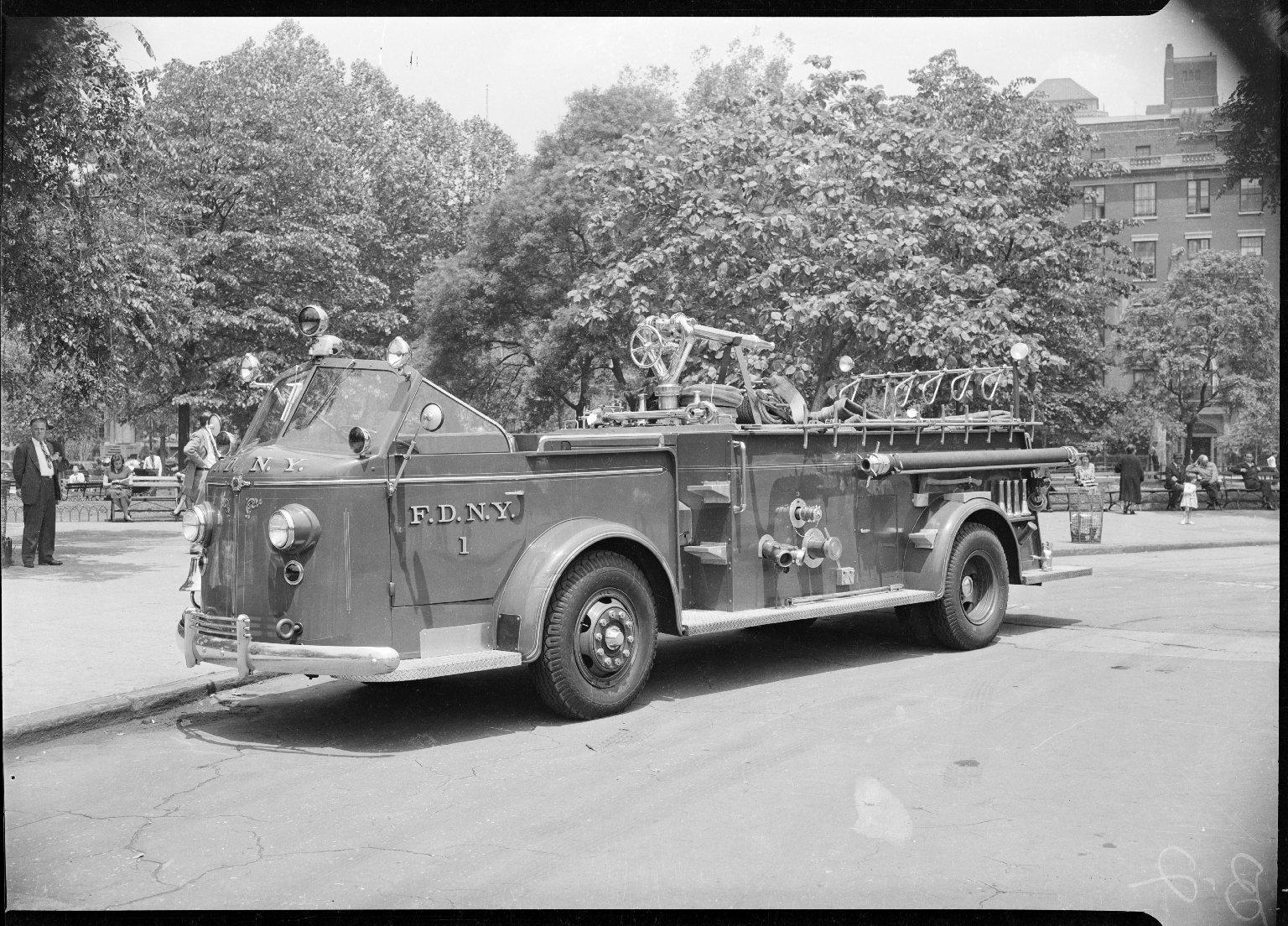 Пожарный автомобиль Mack Boyd Scout Wagon, Нью-Йорк, США. 1913 год