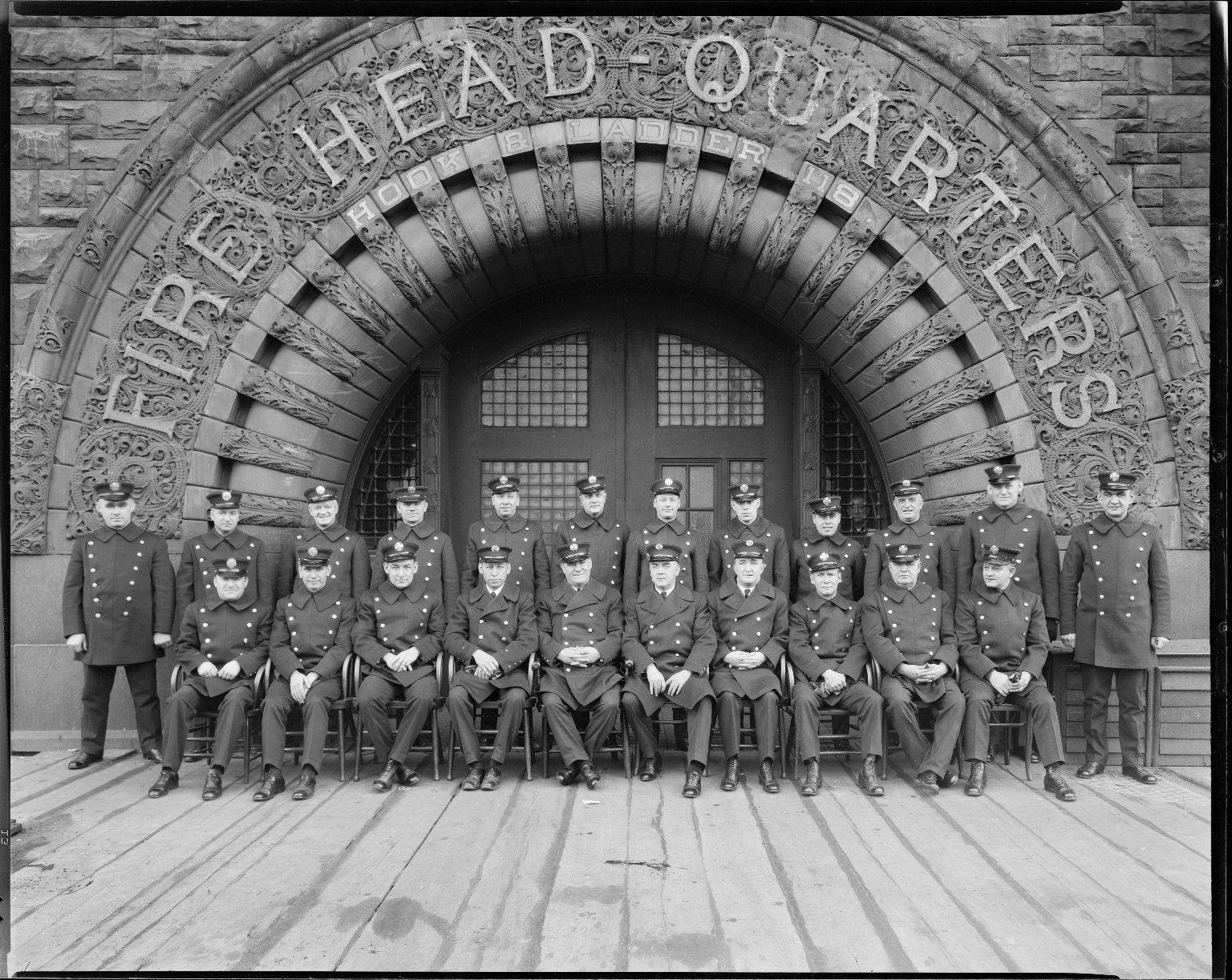 Офицеры службы спасения Бруклинского пожарного департамента, Нью-Йорк, США. 1929 год