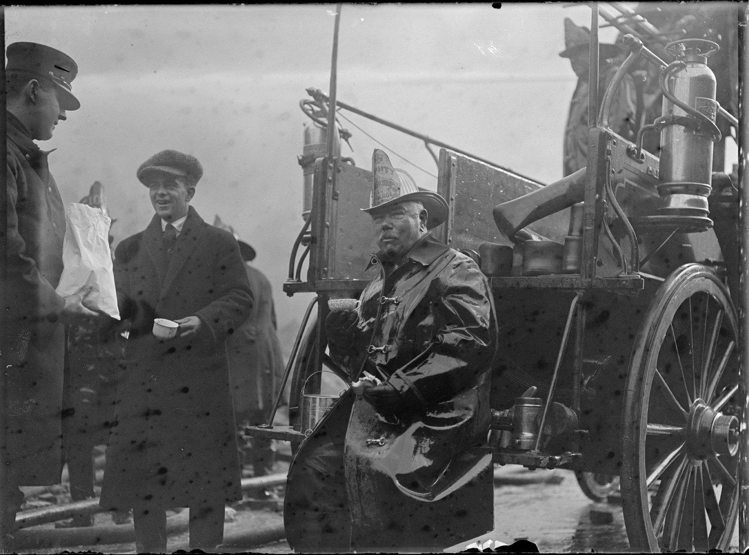 Шеф пожарной охраны Бруклина и Квинса Томас Лэлли. Нью-Йорк, США. 1911 год