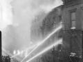Тушение пожара с железнодорожных путей. Нью-Йорк, США. Начало 1950-е