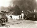 Тушение пожара на военном аэродроме Hill AAF. Военный аэродромный пожарный автомобиль Class 150, США, 1946 год