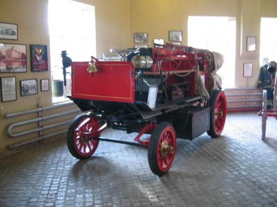 Пожарный электромобиль Justus Christian Braun, 1902 год. Использовался в Швеции