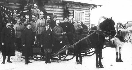Пожарная команда станции Сорока. Пожарные были вынуждены передвигаться на телегах и санях