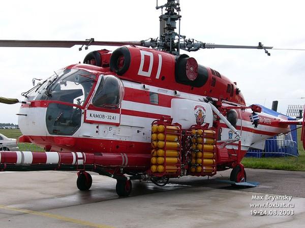 Пожарный вертолет Ка-32А1. Вид с левого борта