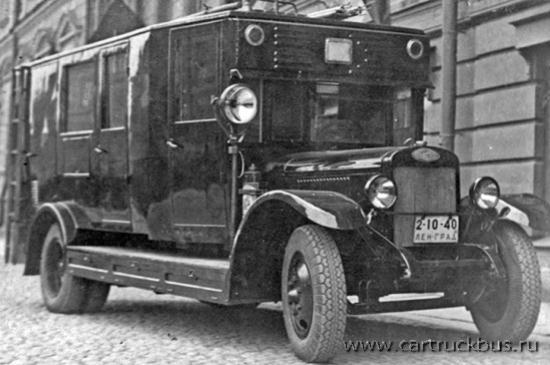 Пожарный автомобиль освещения, созданный ЛГПО на шасси АМО-4