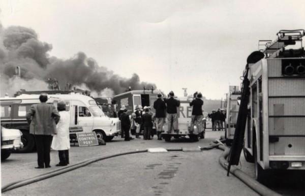 Подъезд пожарной техники к месту пожара, Фликсборо, 1974 год