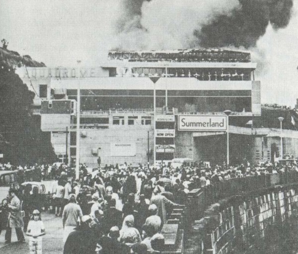 Пожар в развлкательном центре Саммерленд, 2 августа 1973 года, Великобритания