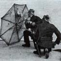 Зонты из асбеста для пожарных. Германия, 1933 год