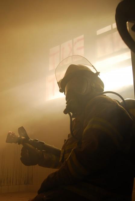 Вибрирующий шлем для пожарных
