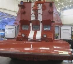 Гусенечная пожарная машина