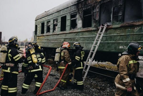 Учения пожарных на железнодорожной станции