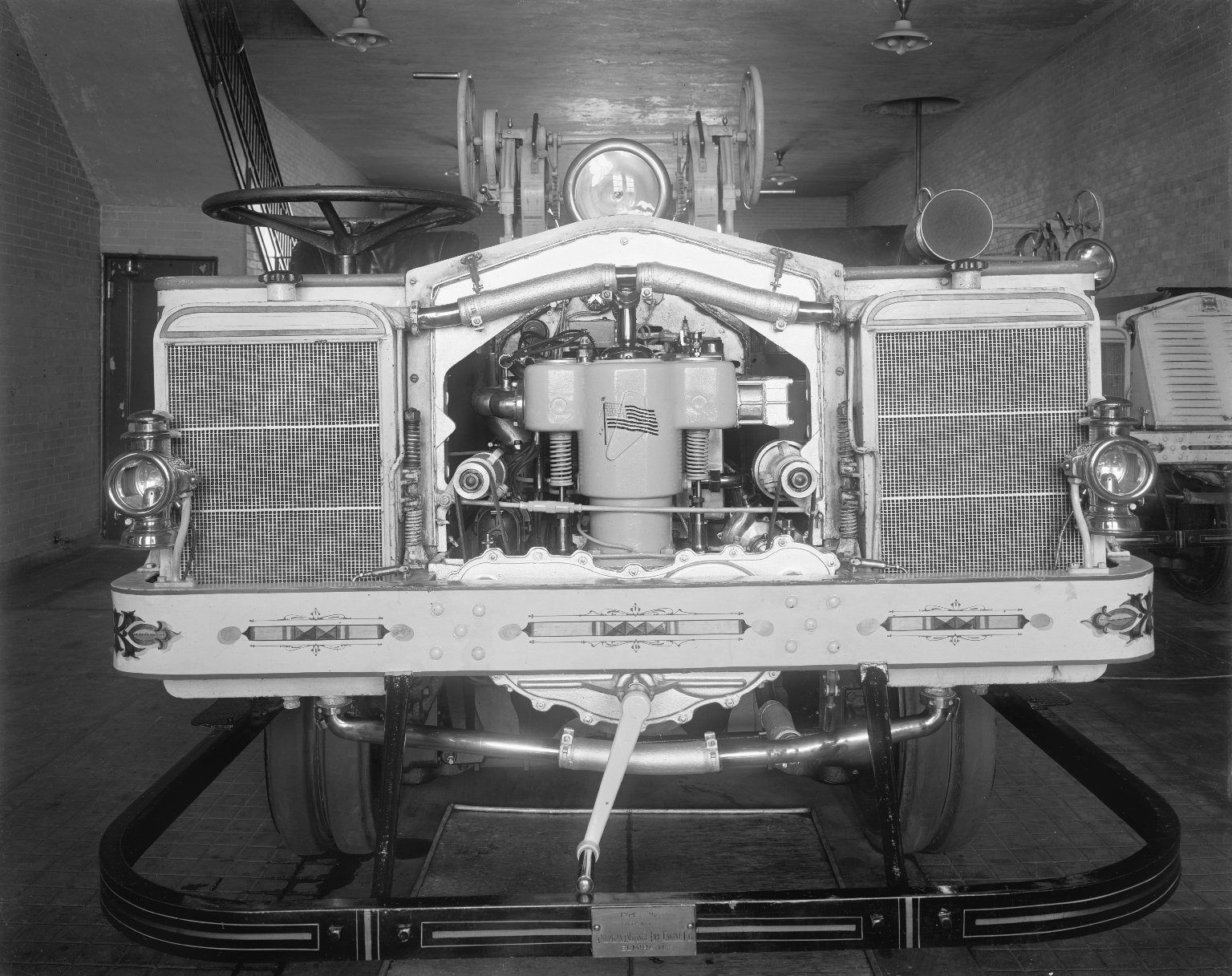 Трактор для перевозки парового пожарного насоса American LaFrance Type 18, Нью-Йорк, США, 1913 год.