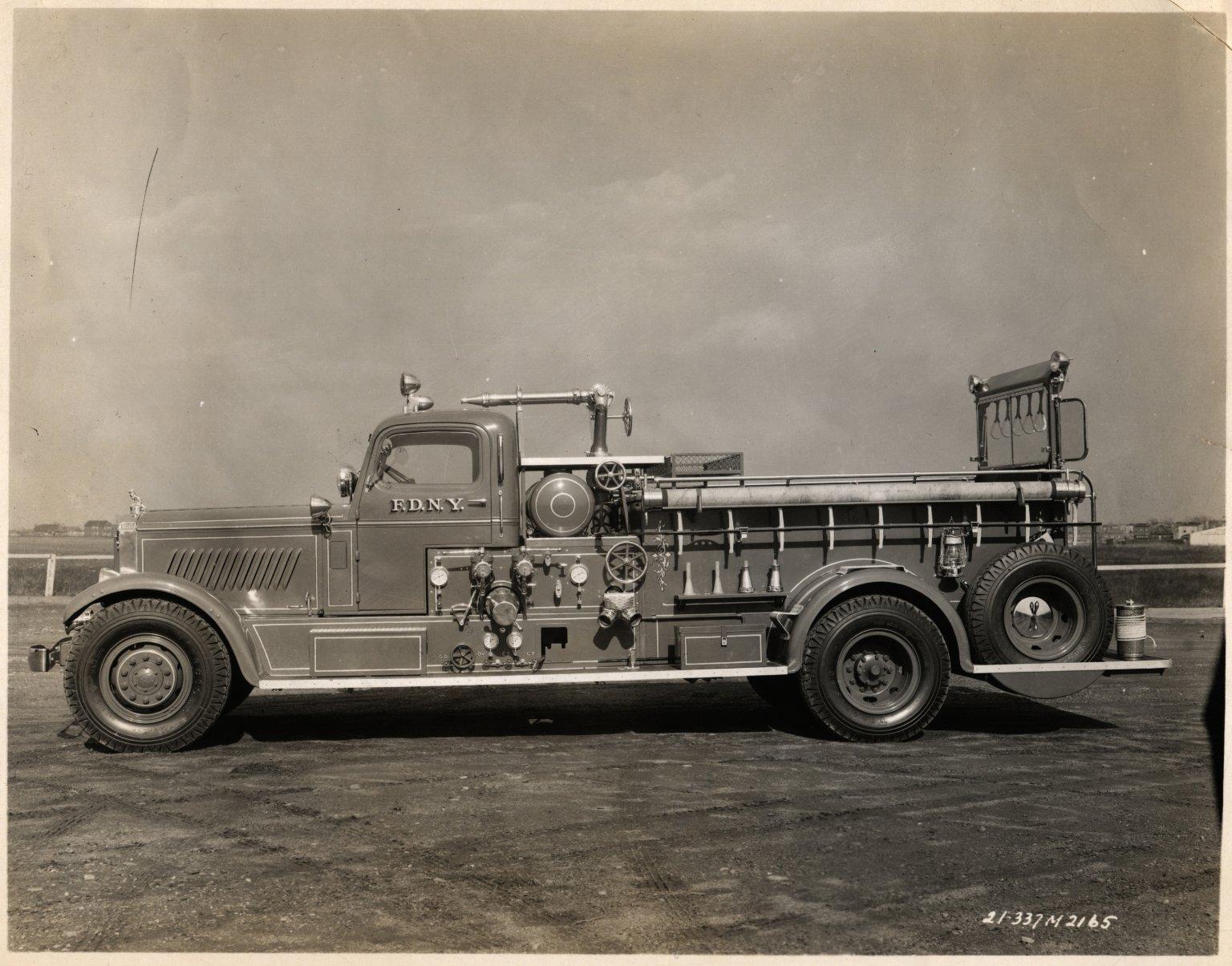 Пожарный автонасос Mack