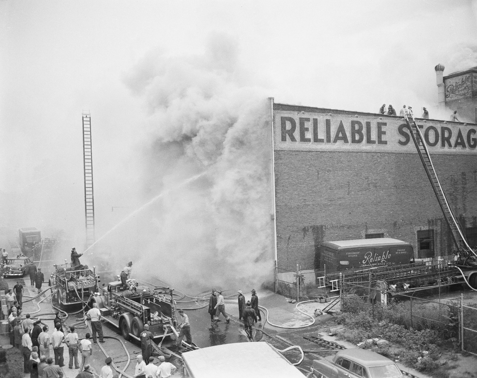 Пожар на складе. Нью-Йорк, США. 1950-е