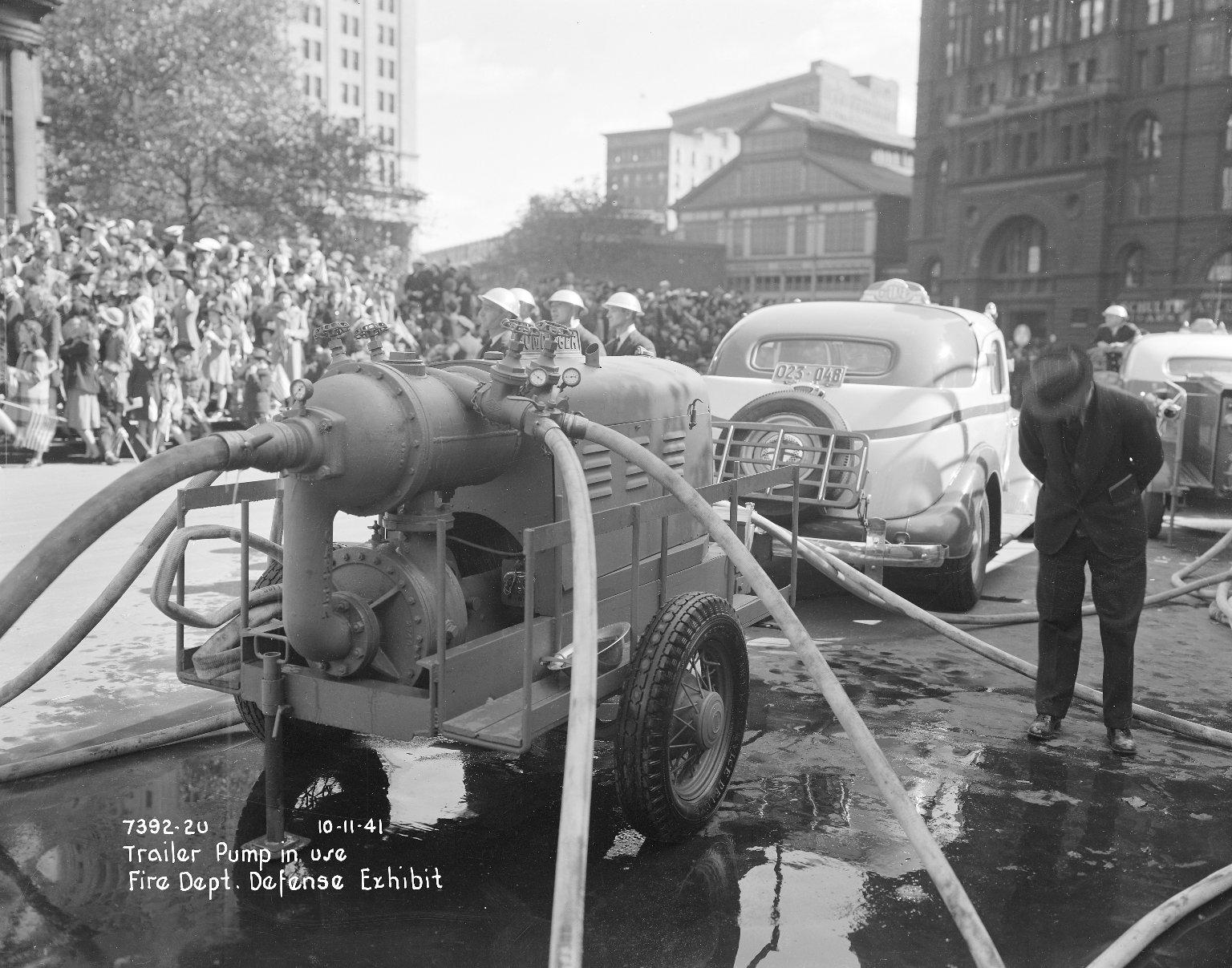 Использование насоса-прицепа, Нью-Йорк, США. 1941 год