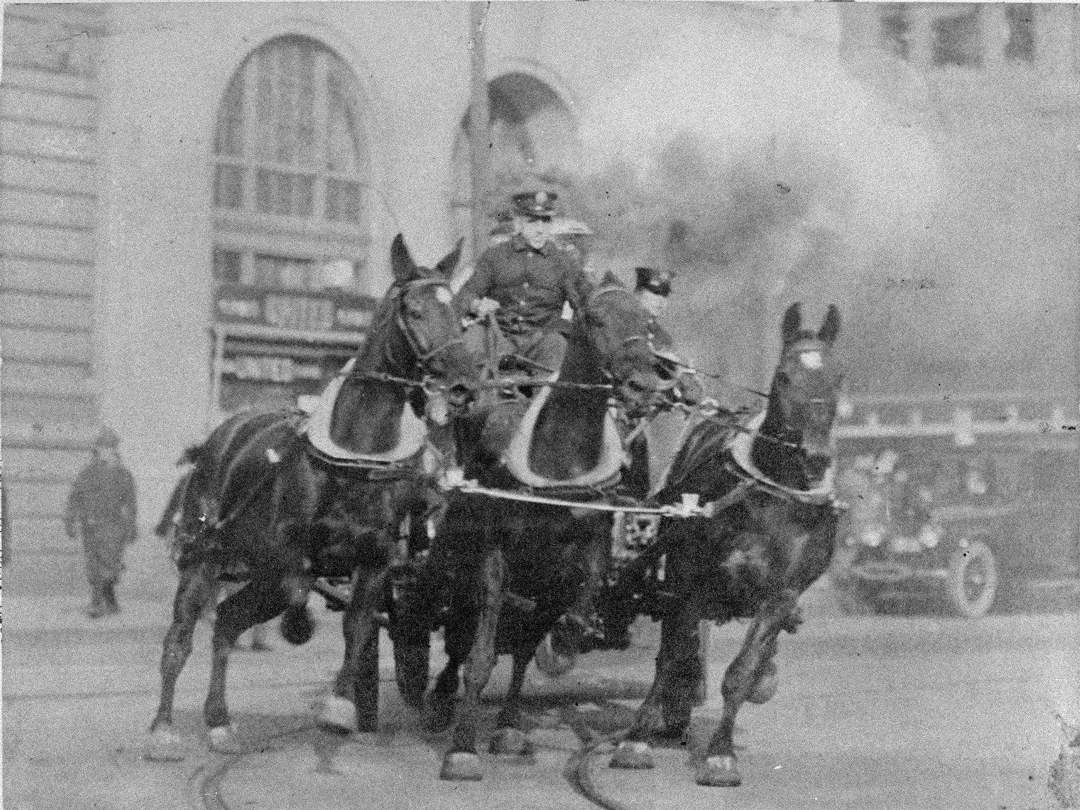 Выезд парового пожарного насоса. Нью-Йорк, США. Начало 20 века