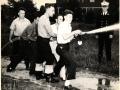 Пятеро пожарных курсантов с пожарным стволом. Нью-Йорк, США. Сентябрь 1941 года