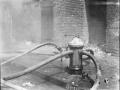 Пожар в магазине. Подключение к гидранту. Нью-Йорк, США. Апрель, 1935 год