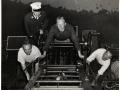 Обучение пожарных курсантов. Установка лестницы. Нью-Йорк, США. 1941 год