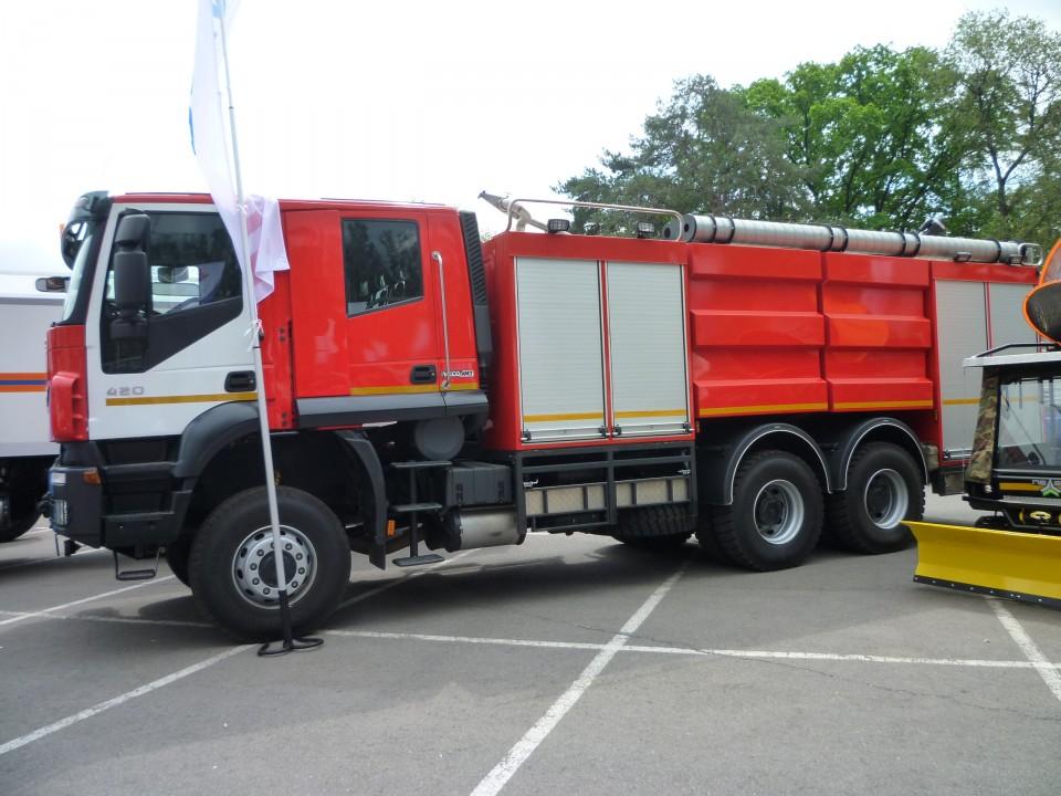 Автомобиль комбинированного тушения IVECO-AMT 693912 (6х6), Питертраксервис