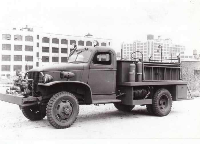 Военный аэродромный пожарный автомобиль Class 135 Chevrolet-Mack 4x4, 1944 год