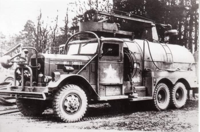 Военный аэродромный пожарный автомобиль Class 150 Reo-Cardox 6x6