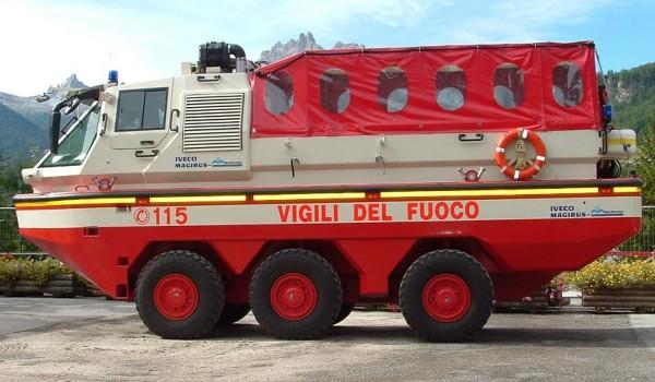 Пожарный автомобиль-амфибия Iveco Magirus Marconi Duffy. Вид слева