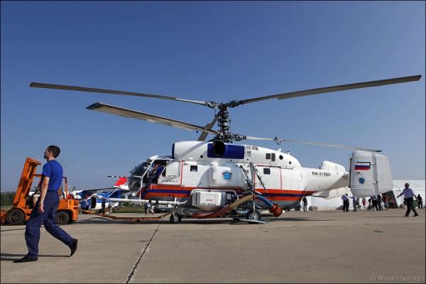 Пожарно-спасательный вертолет Ка-32А с установкой пожаротушения Fire Attack от американской фирмы Simplex