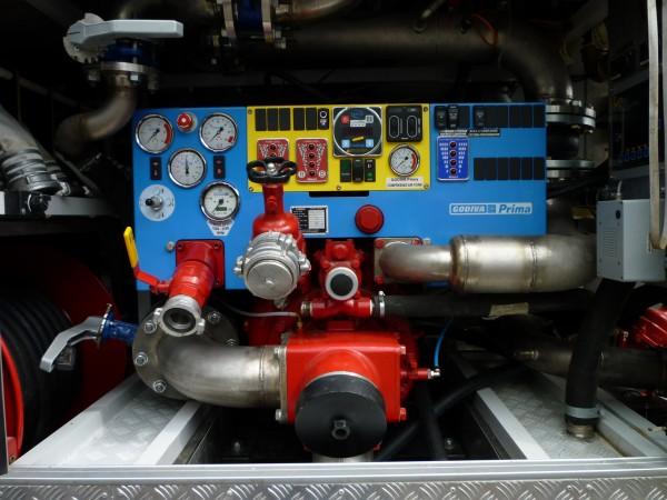 Панель управления насосом. Автомобиль комбинированного тушения IVECO-AMT 693912 (6х6)
