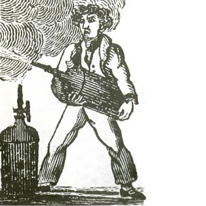 Тушение огня огнетушителем Мэнби