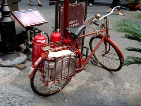 Пожарный велосипед в Азиатских странах.