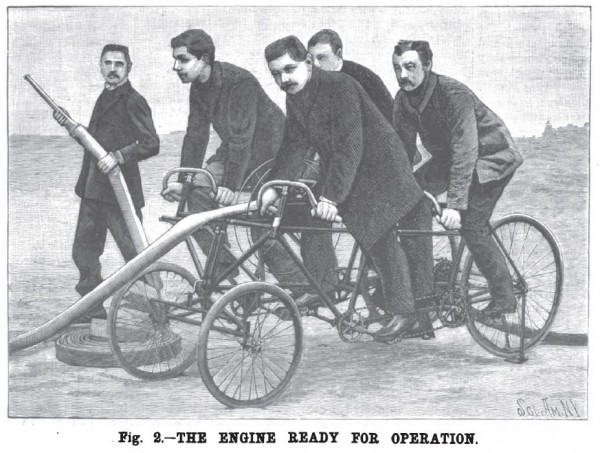 Пожарный велосипед-квадроцикл готов к работе. Франция, 1896 год