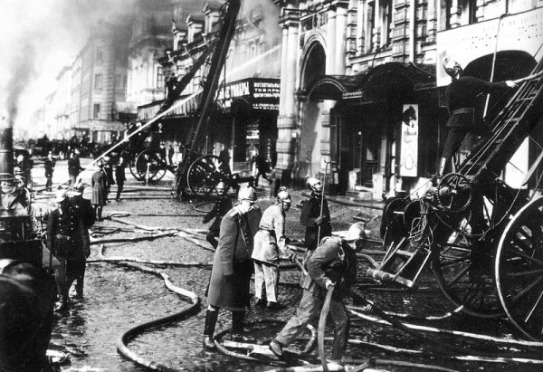 Пожар на набережной Фонтанки. 6 января 1914 года. Фотография К. Булла