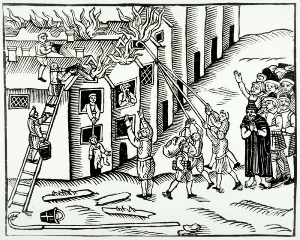 Тушение пожара ведрами. Англия, 1617 год