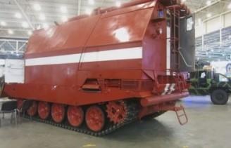 Гусеничный пожарный танк